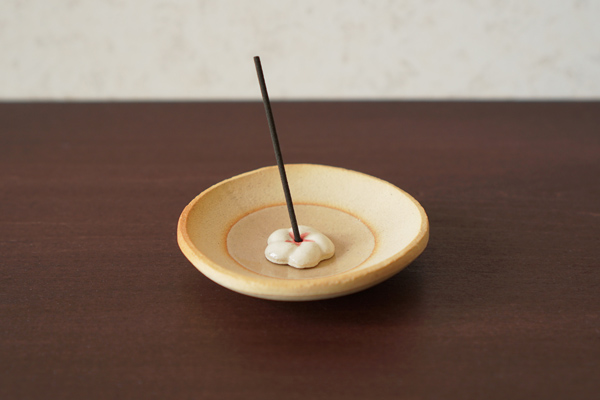 梅の香立と香皿-陶器