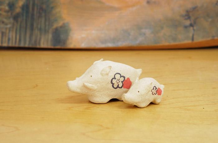 猪の置物-手作り陶器